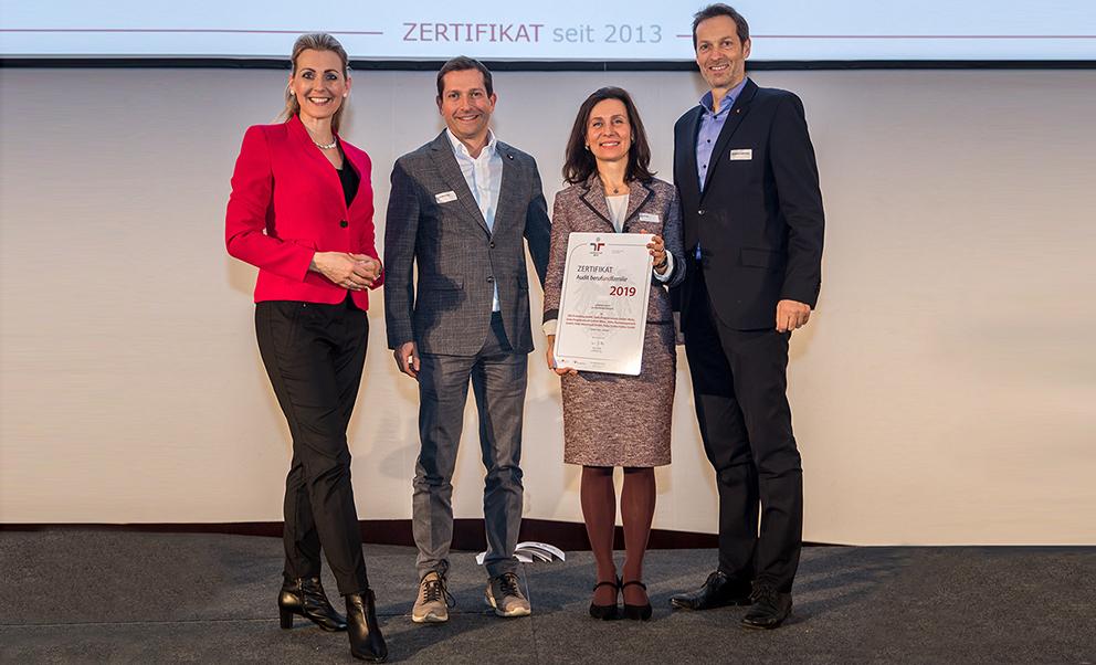 DELTA-wird-als-familienfreundliches-Unternehmen-von-Bundesministerin-Christine-Aschbacher-ausgezeichnet